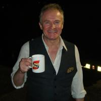 Bobby Davro - English actor and comedian best known for his work as an impressionist. He made his television debut in 1981.